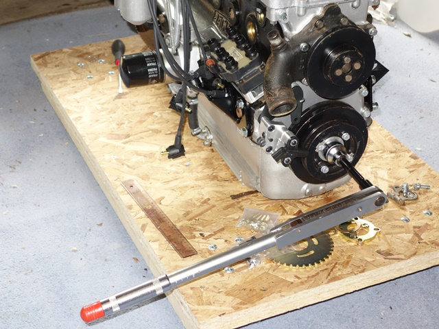 A large torque wrench enabled the engine to be turned over more smoothly to accurately get TDC