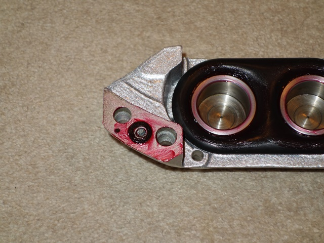 A square section 'O' ring sits in a recess  and provides the necessary seal between the two halves of the front caliper