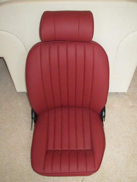 The completed seat, console and trim kit were picked up from Suffolk & Turley. They'd done a fantasic job - just like new!