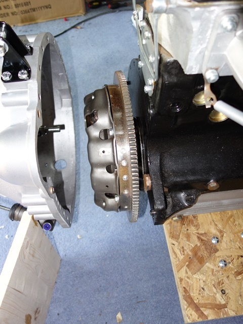 The weight of the gearbox was used to help push the gearbox onto the clutch splines